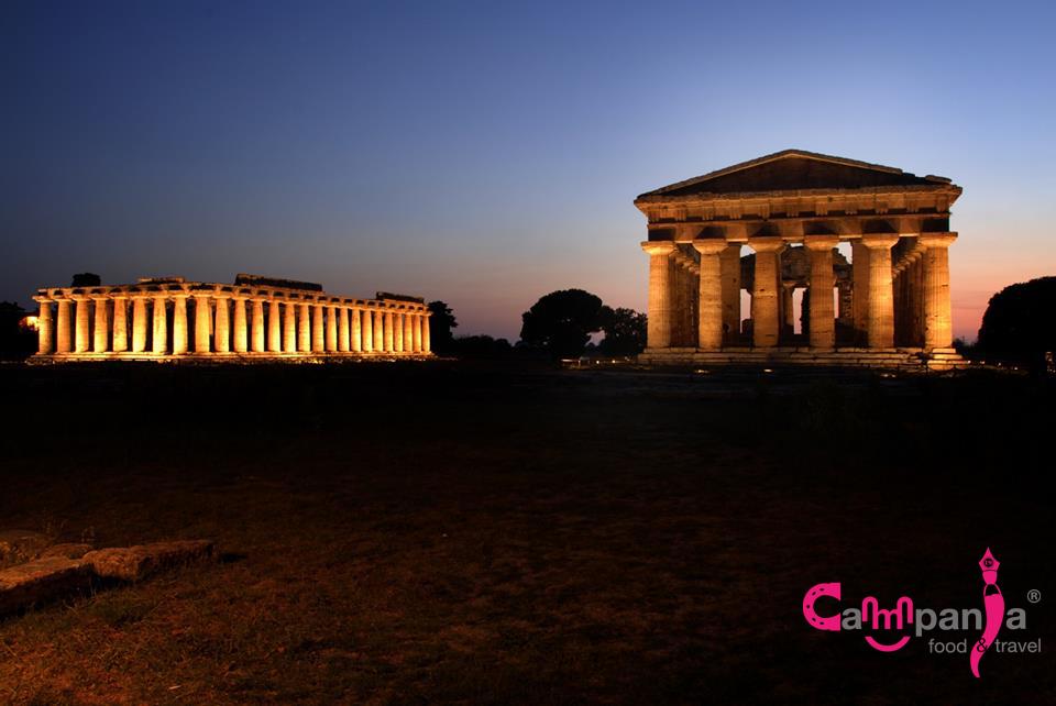 I templi di Paestum visti di Sera