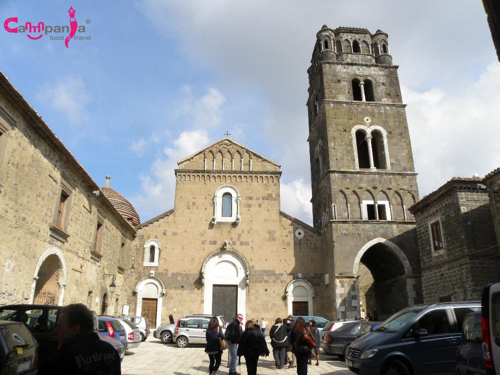 cattedrale-caserta-vecchia campaniafoodetravel