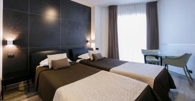 Camera-Superior-Matrimoniale-e-Doppia-mediterranea-hotel cfet