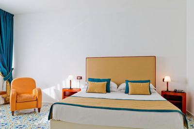 JuniorSuite-mediterranea-hotel campaniafoodetravel