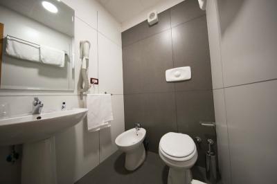 mediteranea-hotel-salerno-camera-standar-economy cfet