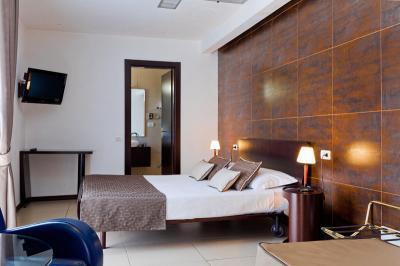 mediterranea-hotel-camera-suite cfet