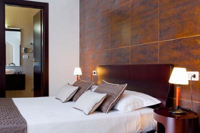 mediterranea-hotel-salerno-camera-suite cfet