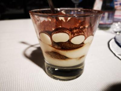 Tiramisù al bicchiere al ristorante Melchiò
